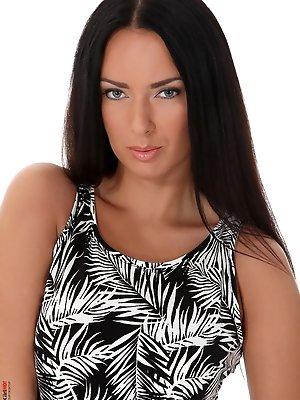 Lynette - Hawaiian Luau